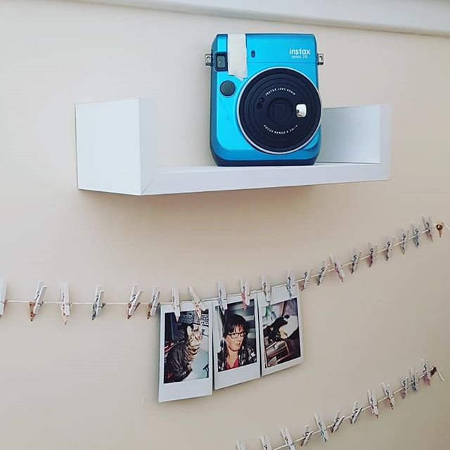 I made a little instax selfie wall in my house, when friends and family visit they can leave me a photo! . . #selfiewall #friends #family #craft #polaroid #instax #fuji #fujifilm