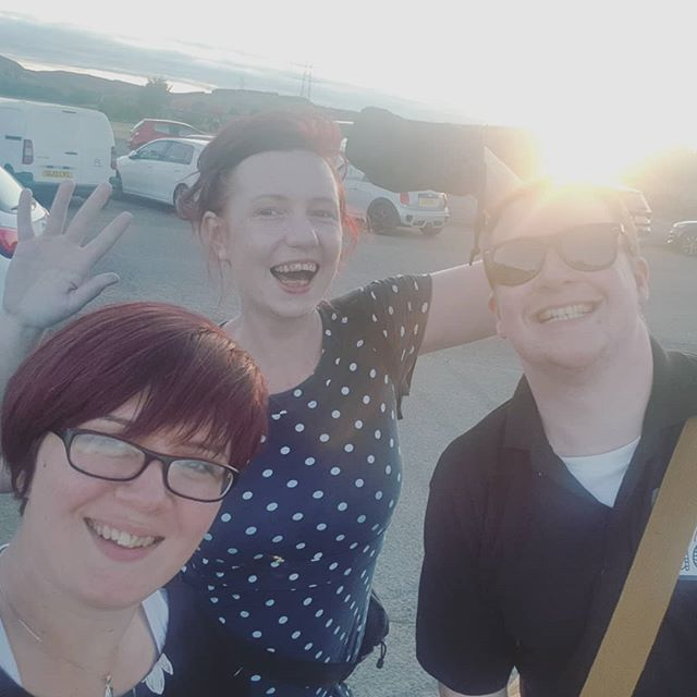 The dream team are still smiling as the sun sets on an amazing wedding! What a wonderful day 😁😎
