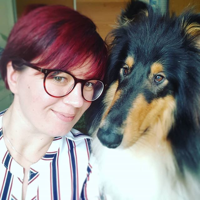 Me and my admin assistant . . #kirstybrownphotography #leon #roughcollie #myboy #work #girlboss #photography #photographer #weddingphotographer #selfiewithmydog