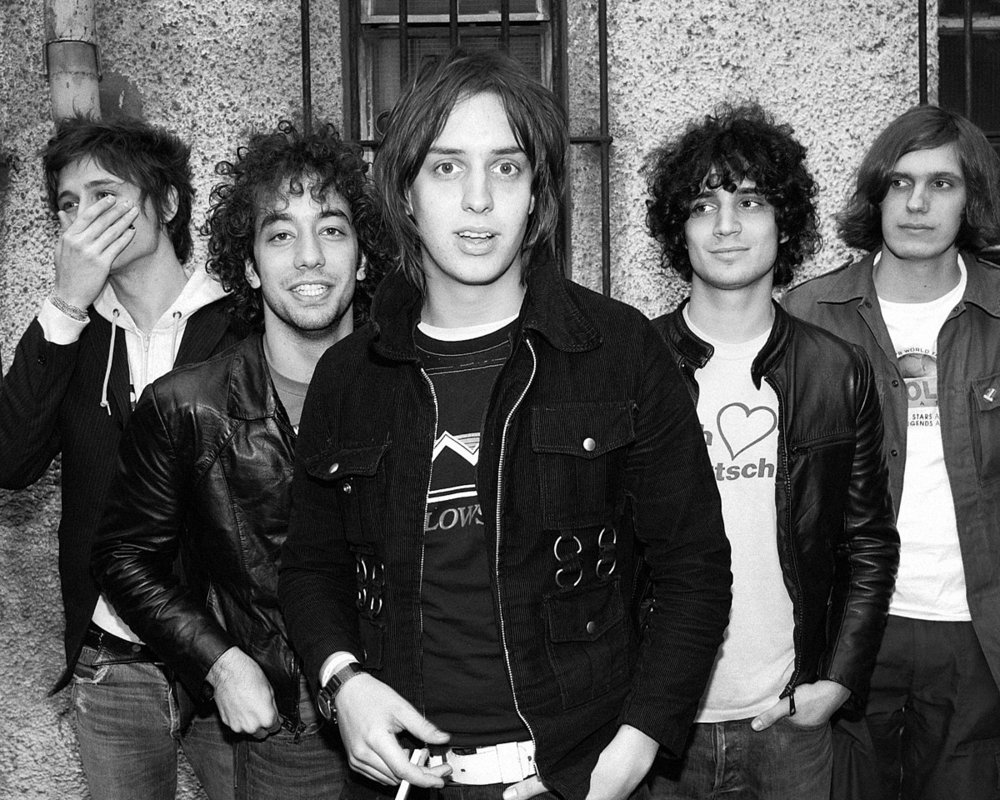 1200px-The_Strokes_by_Roger_Woolman.jpg