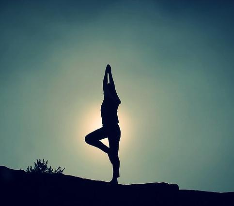 yoga-pose-1082172_640.jpg