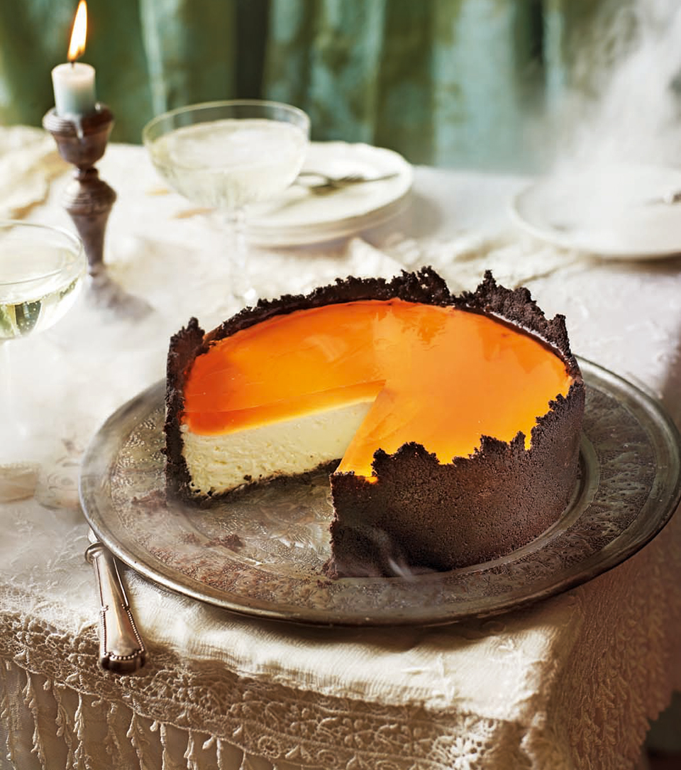Aperol spritz cheesecake with oreo crumb