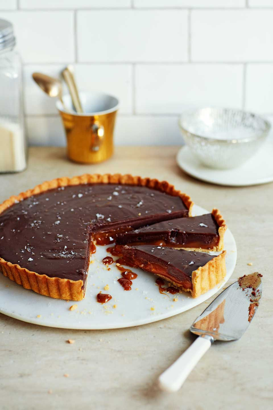 Salted chocolate and dulce de leche tart