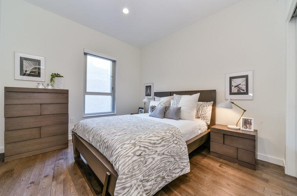 Two Bedrooms - 827 sf · 1 BATH