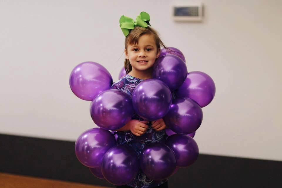 Elementary kid in costume 4.jpg