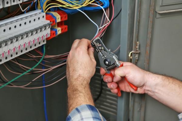 emergency electrician oklahoma city ok.jpg