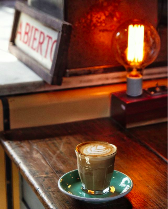 8-Café Zinc.png