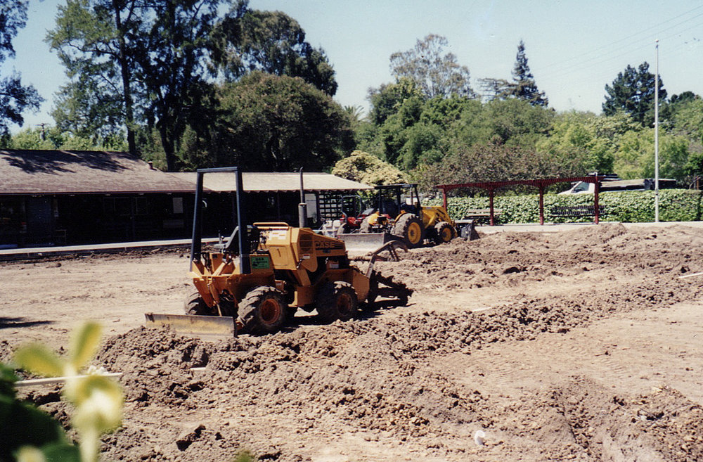 In April 2000 the green was closed for five months for new sod (unchanged since 1935), a new drainage system, new sprinkler system, and a new walkway around the green.
