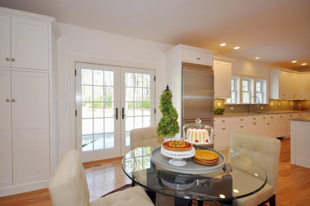 13-82 - kitchen nook.jpg