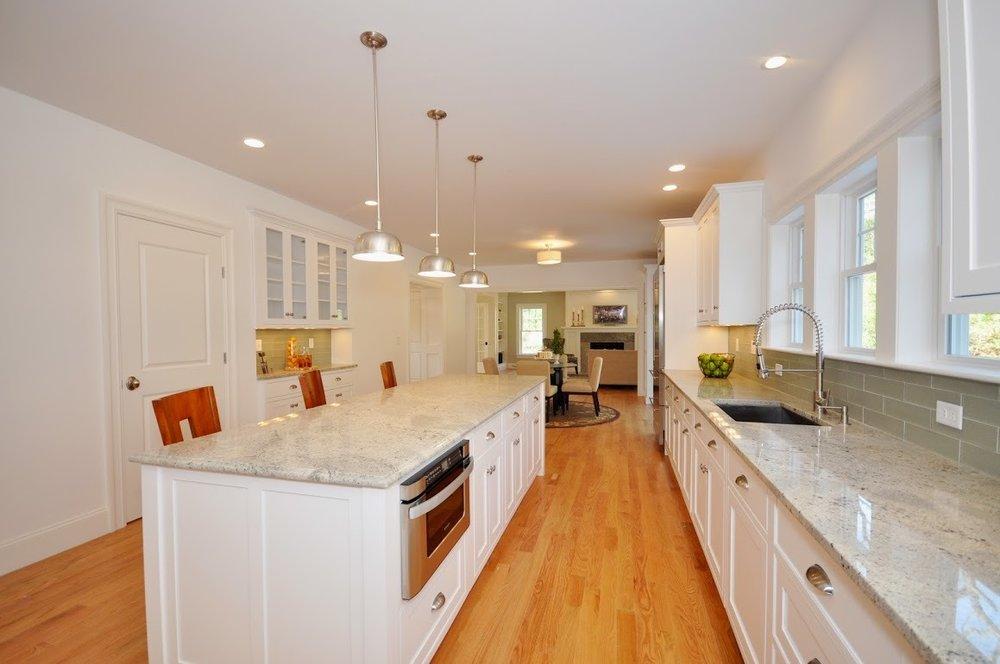 11-59 - kitchen-3.jpg