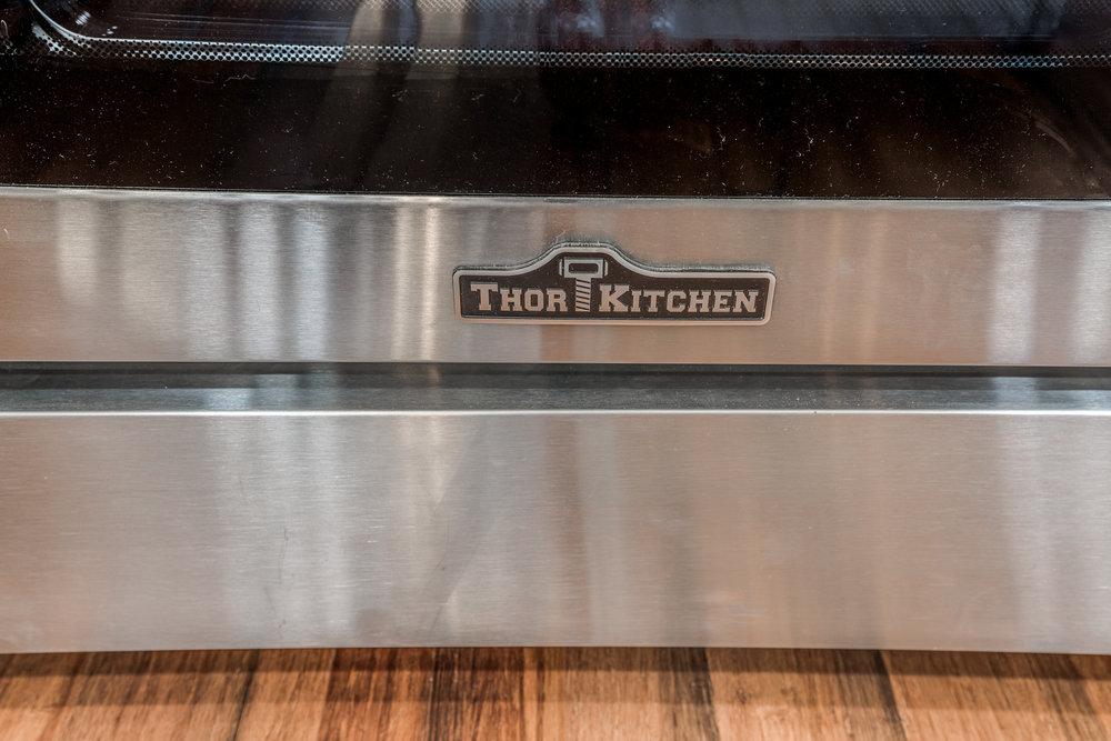 17_Kitchen-8.jpg