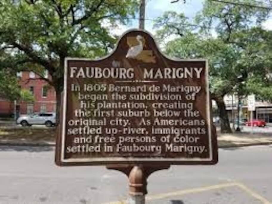 Faubourg Marigny sign.jpg