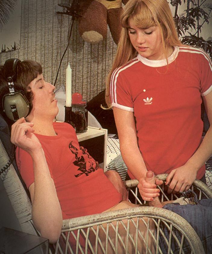 Christa-ceecee-model-Teenage-Sex-19-Melodi-d'Amour.jpg