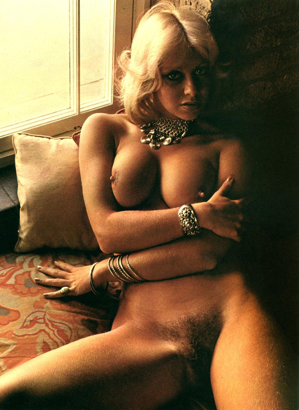 martie-by-fred-enke-club-magazine-1975