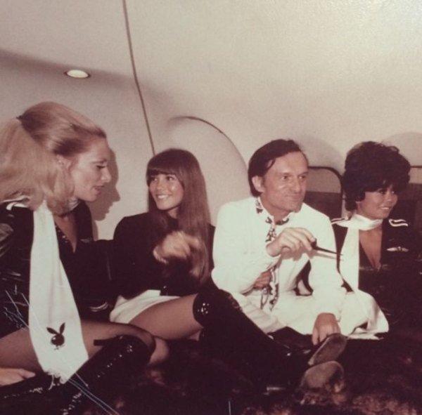 Hugh Hefner with Playboy Bunnies 06.jpg