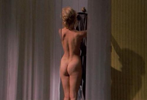 Goldie Hawn nude  05.jpg