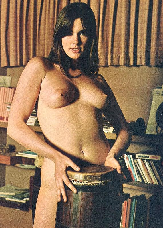 nudist-hippy-bongos