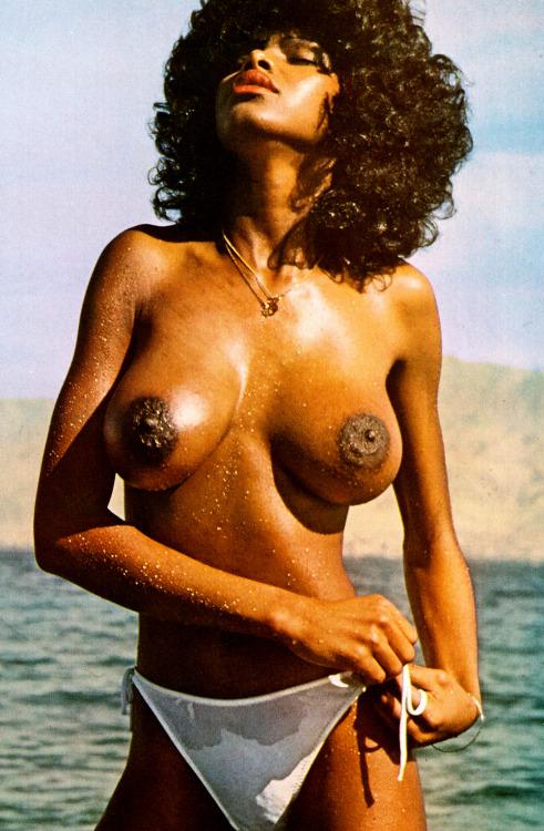 Dark Nipples 9.jpg