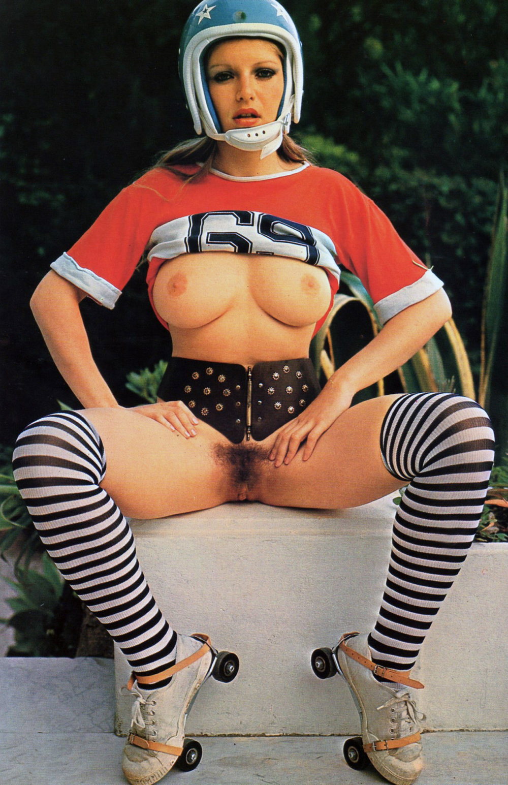 Ingrid-D'Eve-sexy-girls-magazine-1979.jpg
