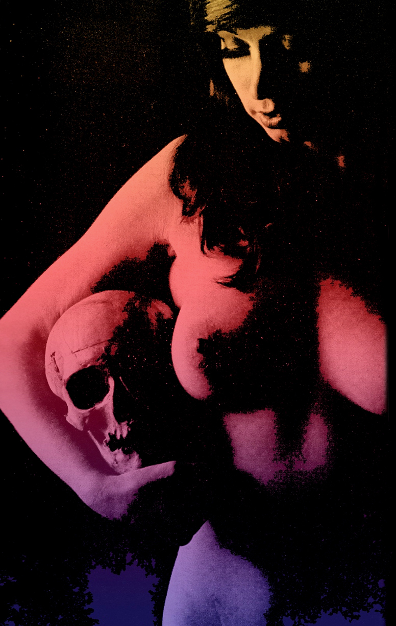 psychedelic-pinup-of-woman-with-skull