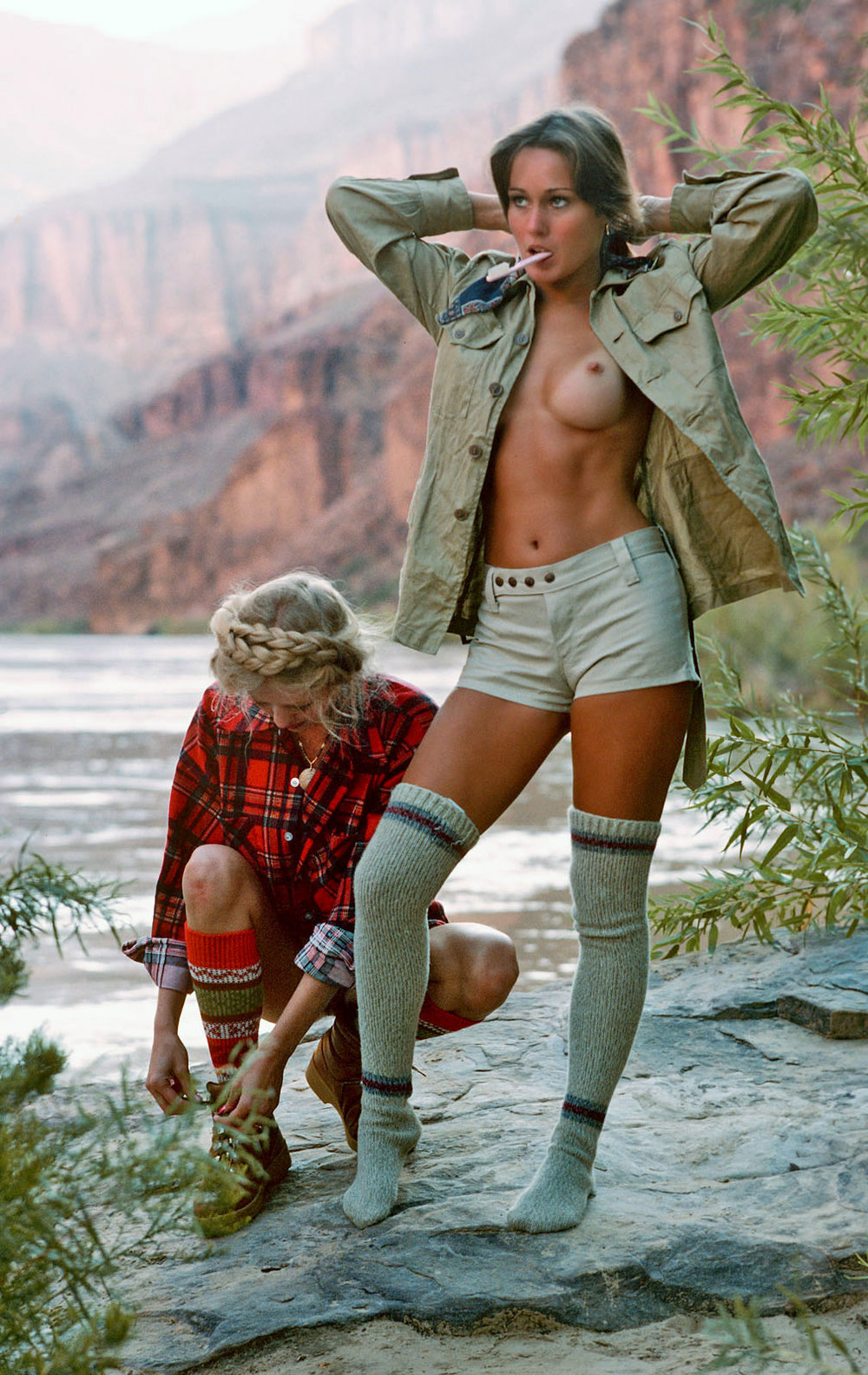 hope-olson-riverboa-gambolers-playboy-magazine-1977