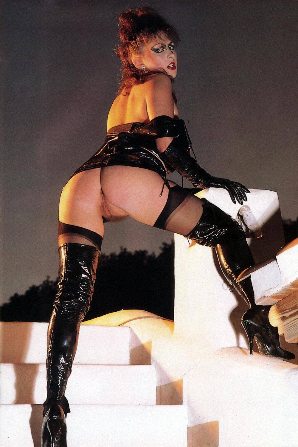 06 Leg Show Magazine_HHW_V4_2_1992_46_123_536lo.jpg