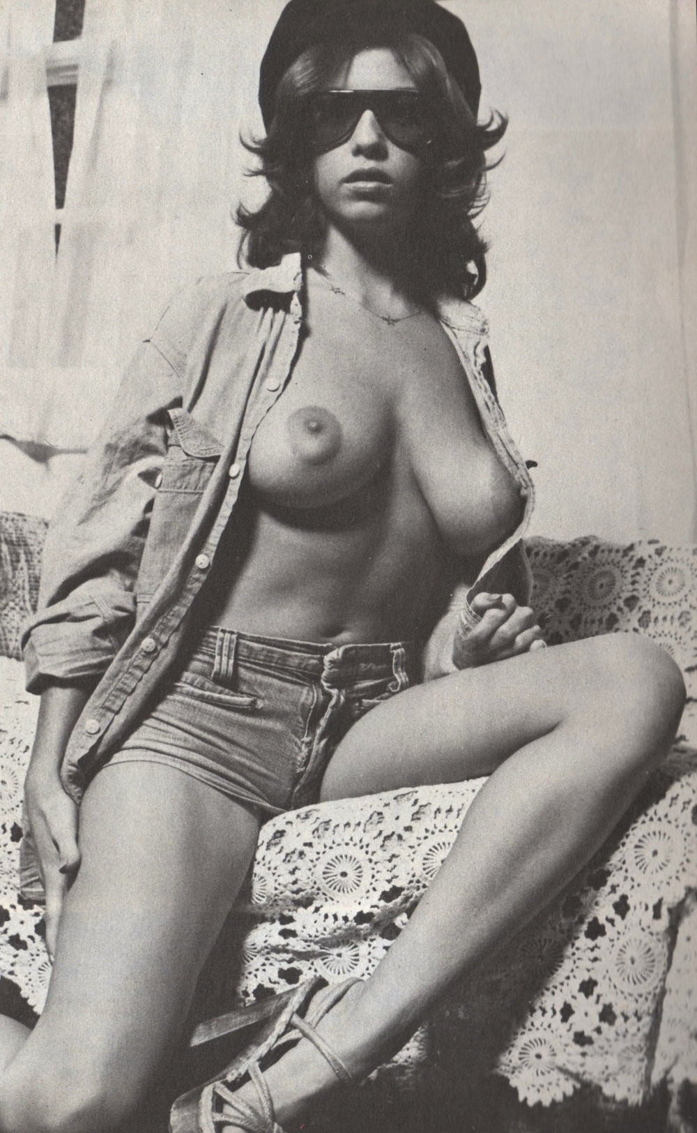 linda-gordon-in-denim.jpg