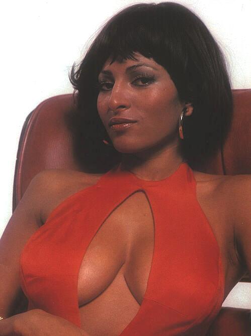Pam Grier Nude 01.jpg