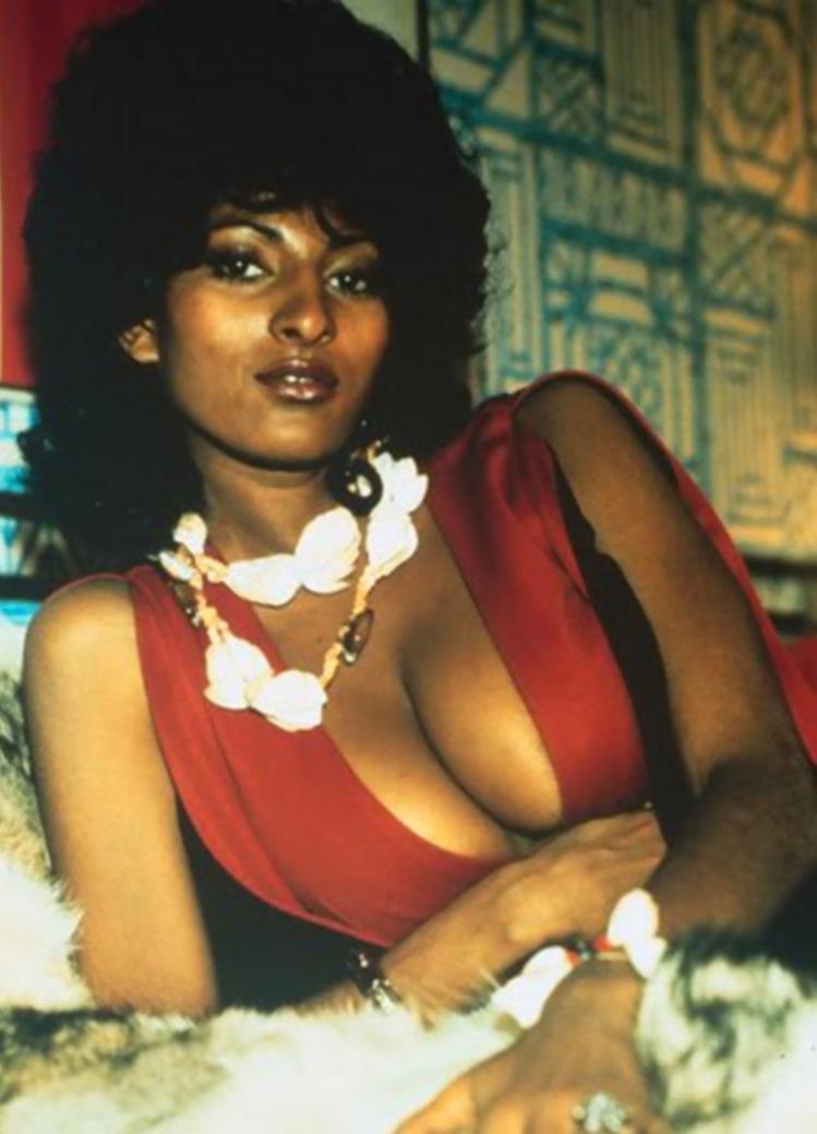 Pam Grier Nude 10.jpg