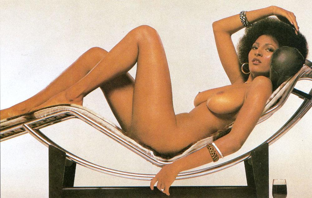 Pam Grier Nude 11.jpg