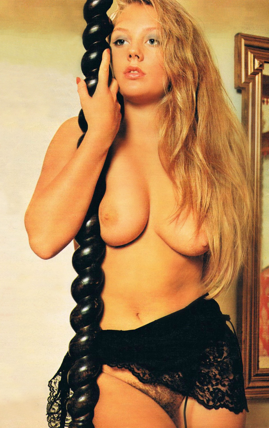 Rosemary-Henson-Deutsche-Sex-Illustrierte-1976