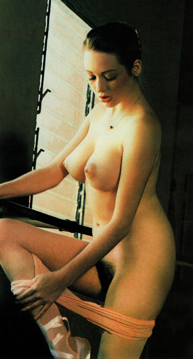 Jacqueline Lorains 02.jpg