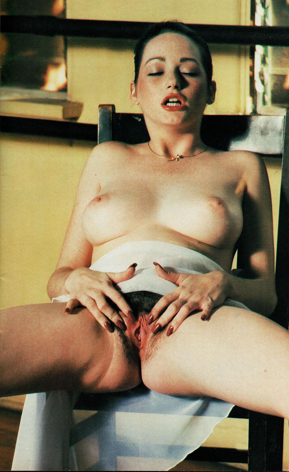 Jacqueline Lorains 07.jpg