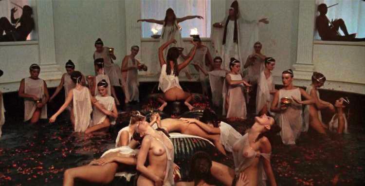 03 Caligula helen mirren.jpg