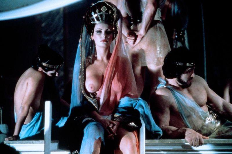 18 Caligula.jpg