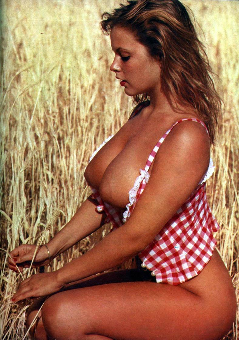 03 Joanne Latham 2.jpg