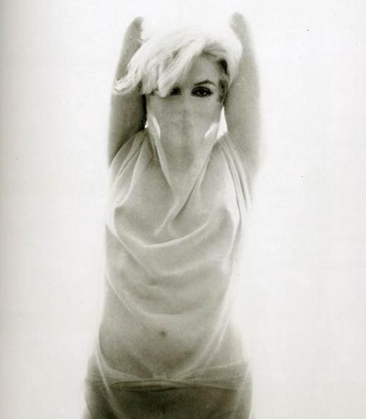 Marilyn Monroe Bert Stern 1962 sheer 4.jpg