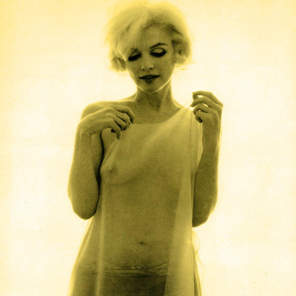 Marilyn Monroe Bert Stern 1962 sheer 6.jpg