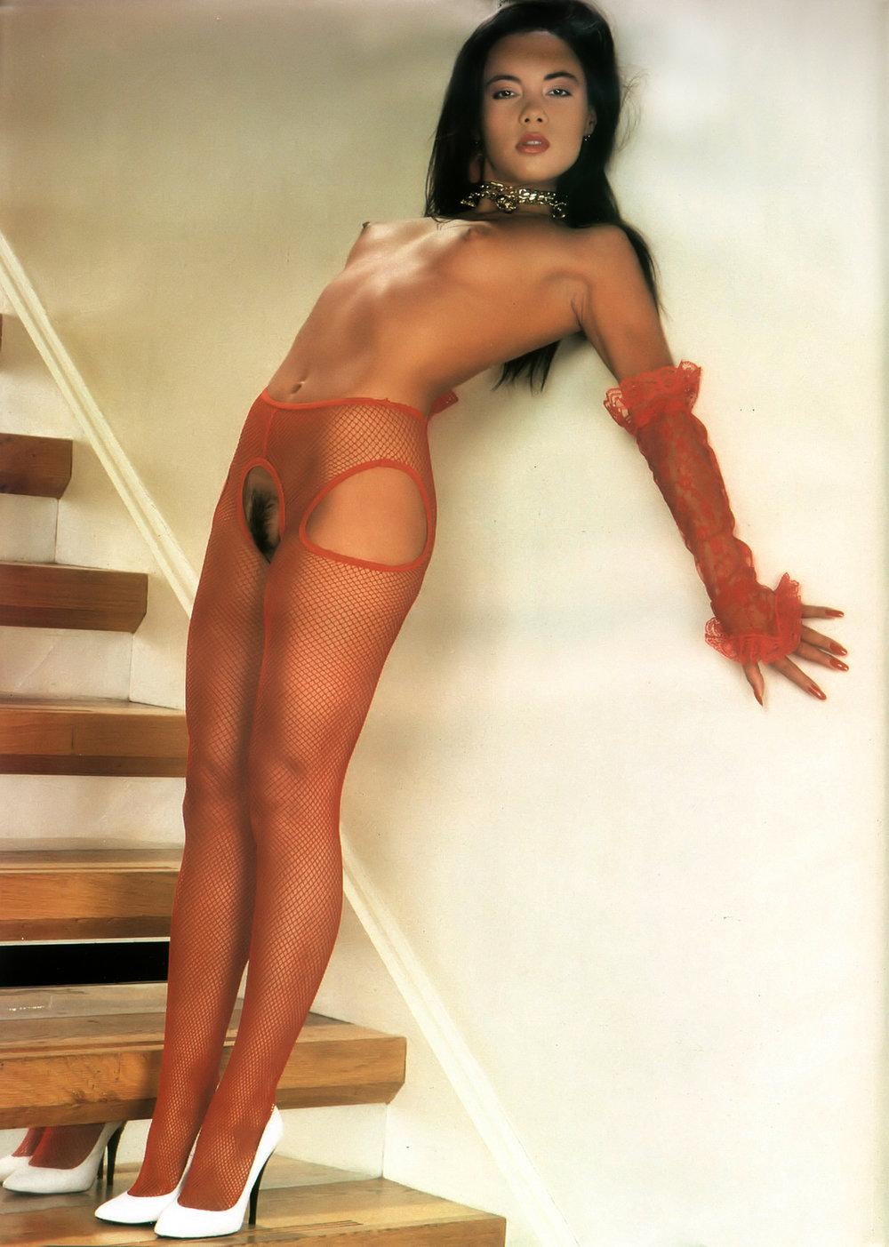 girl posing on stairs 09.jpg