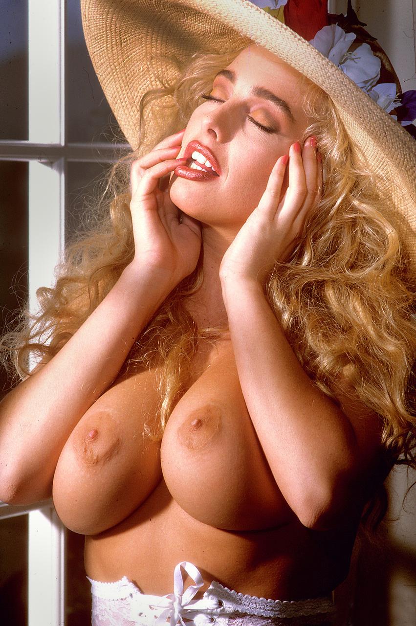 Sandra screams nude, moretz anal