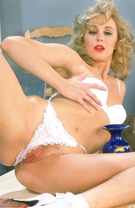Melanie Moore 01.jpg