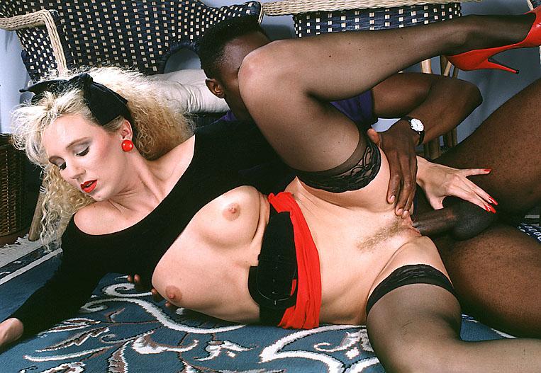 Melanie Moore 06.jpg