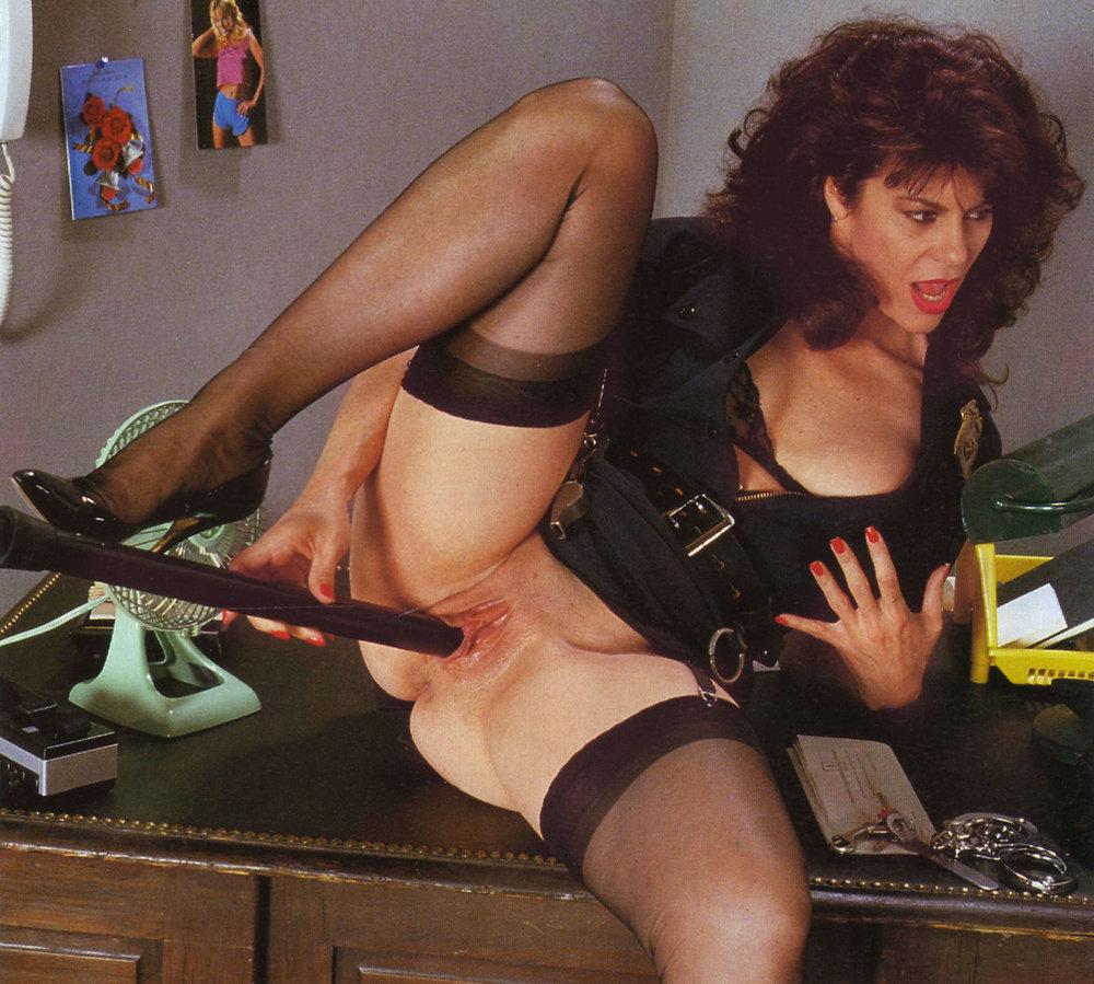 Claudia black nude pic