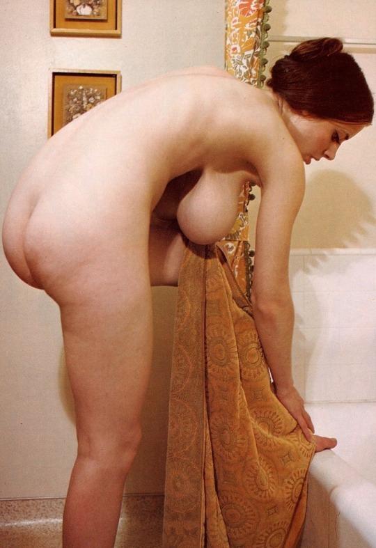 Voluptous milf pics, ballbusting woman naked