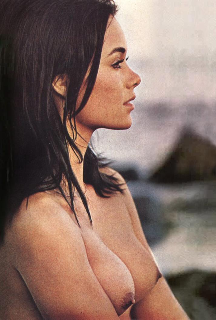 Joanna Cameron nude 2.jpg