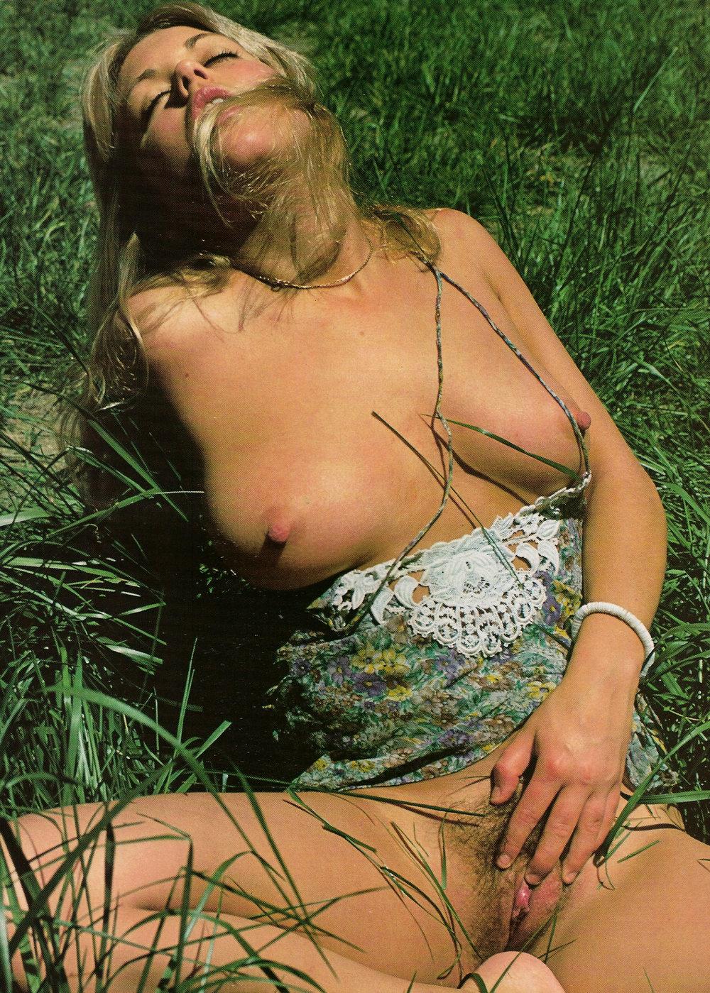 03 Dawn Shaw Hustler Magazine 1976.jpg
