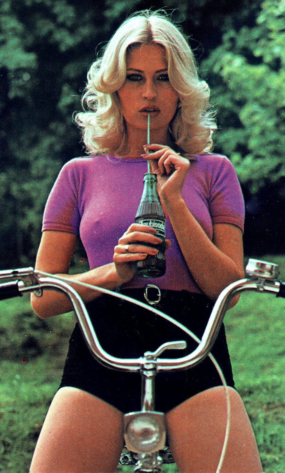 01 %22Traubi Soda%22 1980 Hungary.jpg