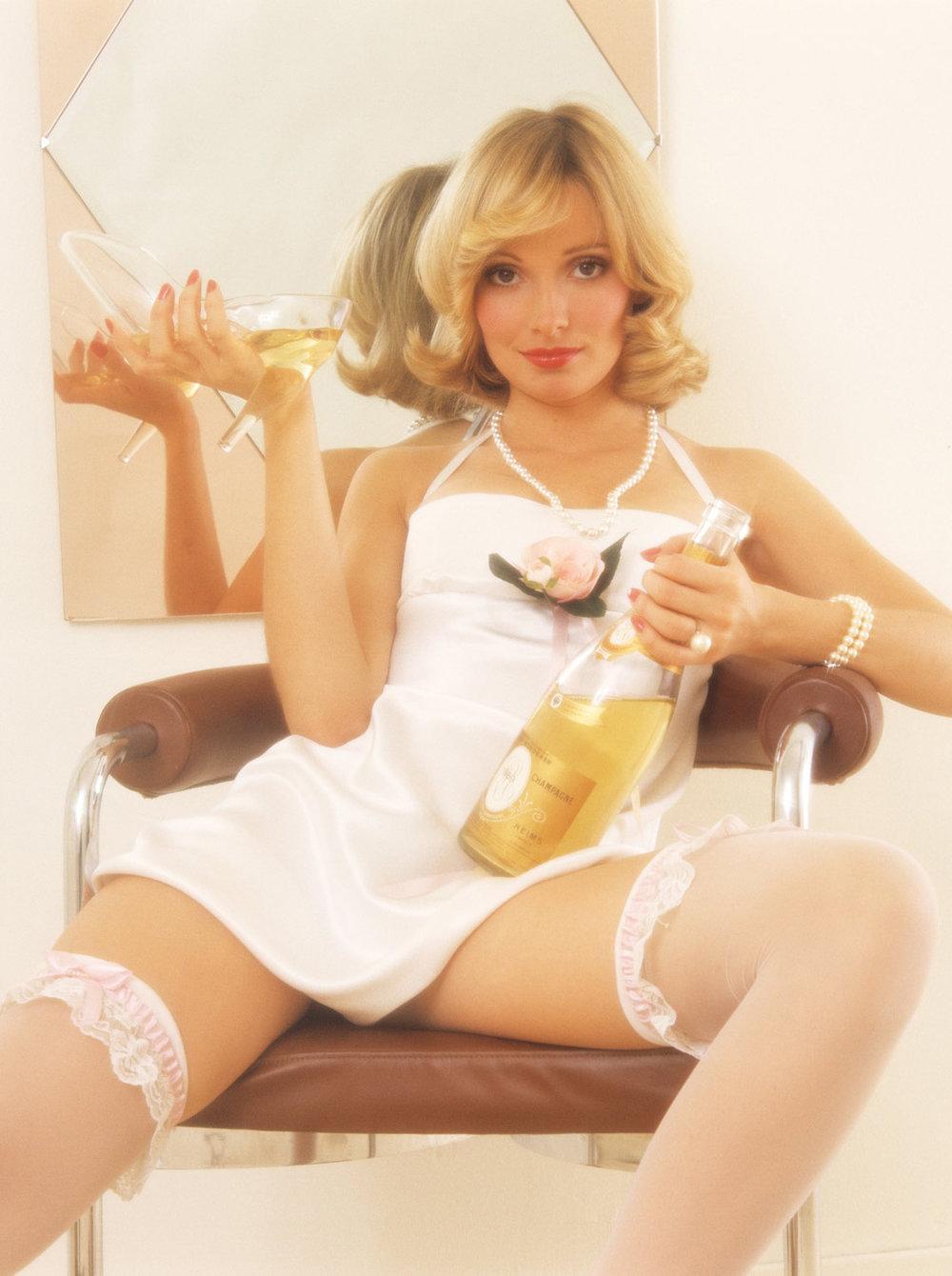 Cyndi Wood Playboy Playmate Of The Year 1974 11.jpg