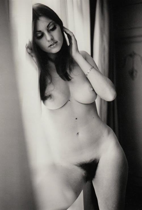 02 Gillian Duxbury Penthouse Magazine 1972.jpg