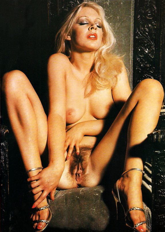 Vampire Porn Exciting Magazine No. 12 Love at First Bite 1980 05.jpg